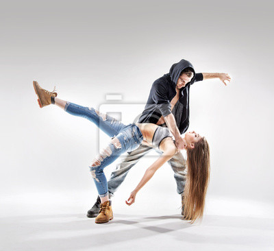 Acrobat Pose eines zwei talentierten Tänzer