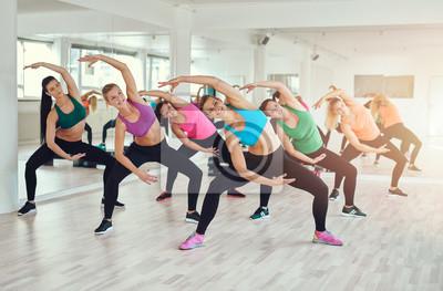 Aerobic-Klasse in einem Fitnessstudio