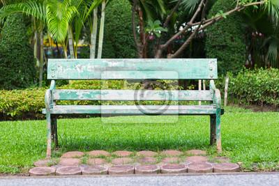 Bild Alte grüne Bank im gardent