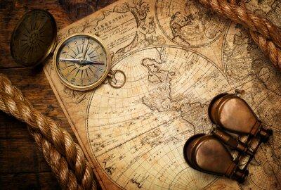 Bild Alte Kompass, Fernglas und Seil auf Vintage-Karte