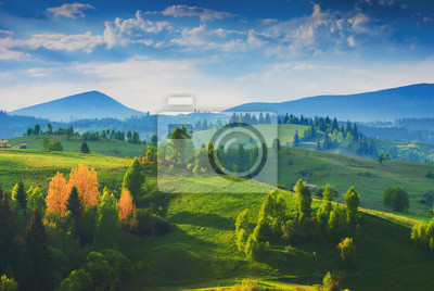 Amazing Karpaten nebligen Tal