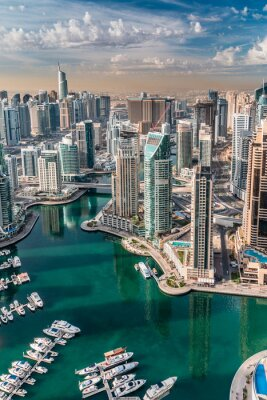 Bild An impressive aerial top view of the city in Dubai Marina. Dubai skyline panorama