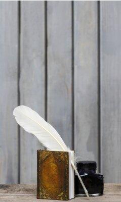 Bild Antike Schriftsteller Schreibtisch - Buch, Feder, Tusche auf Holz rau surfa