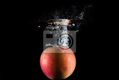 Bild Apfel fiel in Wasser