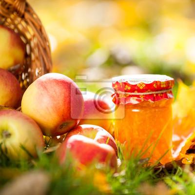 Apfel-Marmelade im Glas