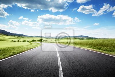 Bild Asphaltstraße in der Toskana, Italien