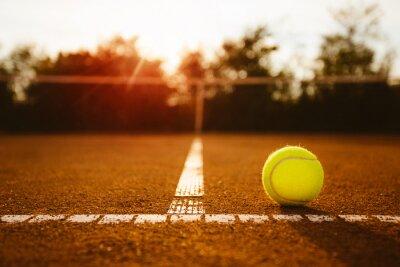 Bild Ball auf einem Tennisplatz