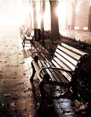Bild Bank in Nacht Gasse mit Lichter in Odessa,