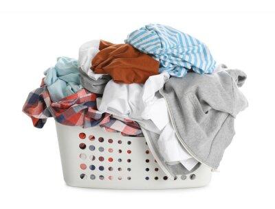 Bild Basket full of dirty laundry isolated on white