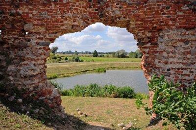 Bild Besiekiery, ruiny gotyckiego zamku, Polska