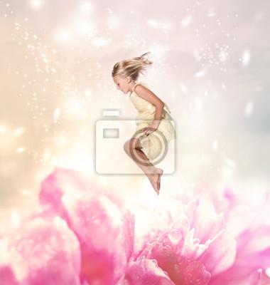 Blond Girl Springen (Fantasy)
