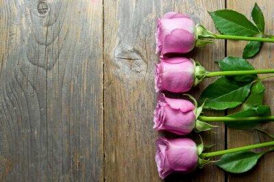 Bild Blumen auf Holz backround mit Platz für Text