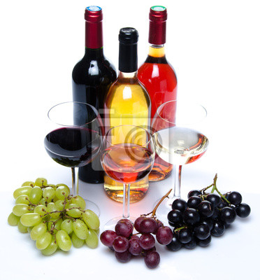 Bild Bootles und Gläsern Wein mit schwarzen, roten und weißen Trauben