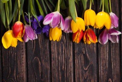 Bild Bouquet von Tulpen auf Holz