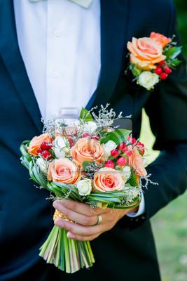 Brautigam Halt Eine Schone Hochzeit Blumen Bouquet Leinwandbilder
