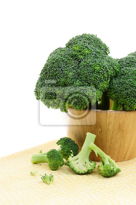 Broccoli in einer Holzschale