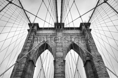 Bild Brooklyn-Brücken-New York City-Abschluss herauf architektonisches Detail in zeitlosem Schwarzweiss