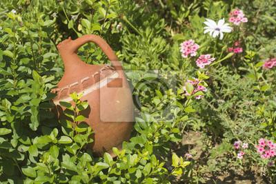 Brown-Flasche auf den Garten
