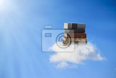 Bücher auf einer Wolke schweben