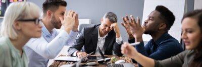 Bild Business People Arguing In Meeting
