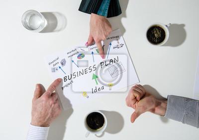Bild Business-Team in einer Sitzung sprechen Business-Plan