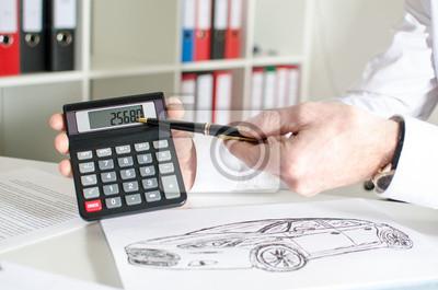 Bild Car salesman showing the price of a car