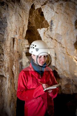 Caver Protokollierung Erhebungsdaten während Höhle Mapping