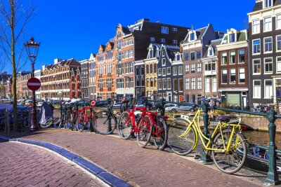 Bild charming Amsterdam. canals and bikes