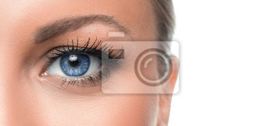 Bild Close up photo of a woman's blue eye
