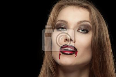 Close-up Porträt einer lächelnden gotische Vampirfrau