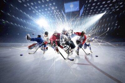 Collage von Hockeyspielern in Aktion