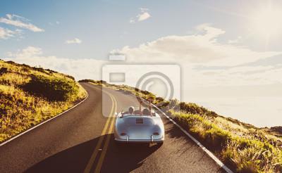 Bild Coupe Fahren auf Land-Straße in Weinlese-Sport-Auto-