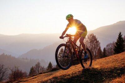 Bild Cyclist in the autumn mountain