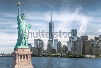 Bild Das Freiheitsstatue mit World Trade Center-Hintergrund, Marksteine von New York City