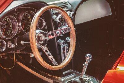 Bild Dashboard eines klassischen Autos
