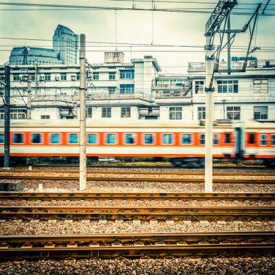 Der Zug in der Station