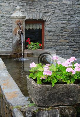 Detail von einem Berg Dorfbrunnen