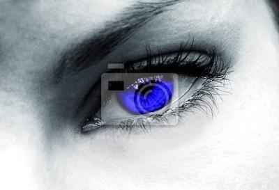 dunkelblaue Augen