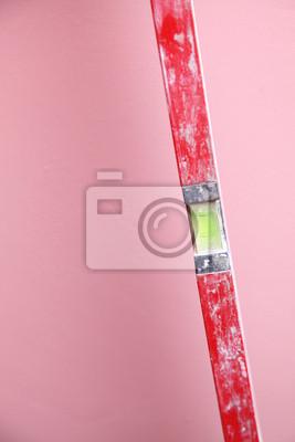 Ebene Bauarbeiter Hause rosa Hintergrund
