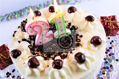 Ein Bild Von Einem Geburtstagskuchen Mit Kerze 21 Leinwandbilder