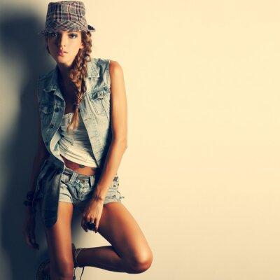 Bild Ein Foto der schönen Mädchen ist in Mode-Stil