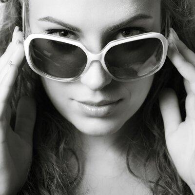 Bild Ein Foto von sexuellen schöne Mädchen ist in Mode-Stil