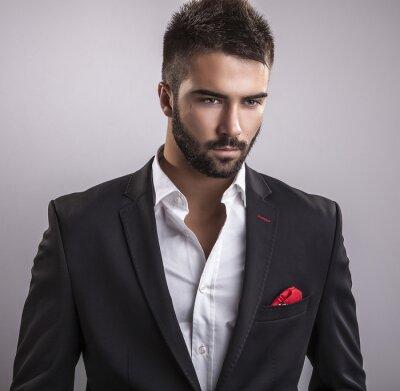 Bild Elegante junge handsome man. Studio Mode Porträt.