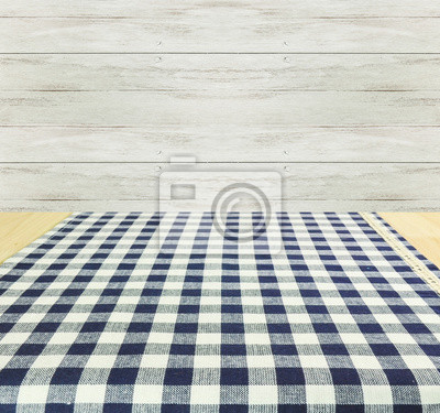 Bild Empty wooden and tablecloth with wood background.
