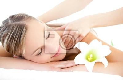 Entspannt Frau erhalten eine Rückenmassage