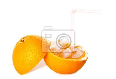 Erfrischende Reine Iced Orangensaft isoliert auf weiß