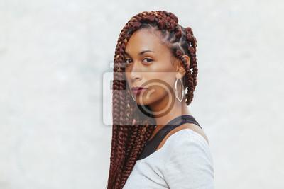 Bild exotic black woman with long braids