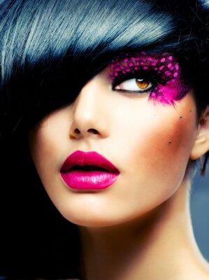Bild Fashion Portrait Brunette Modell. Haarschnitt