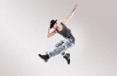 Fashion Schuss von einem jungen Hip-Hop-Tänzer