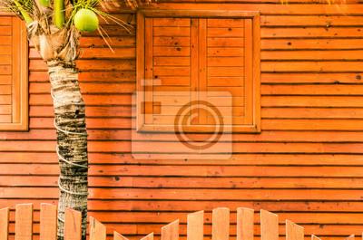 Bild Fenster und Wände mit Holz verkleidet.
